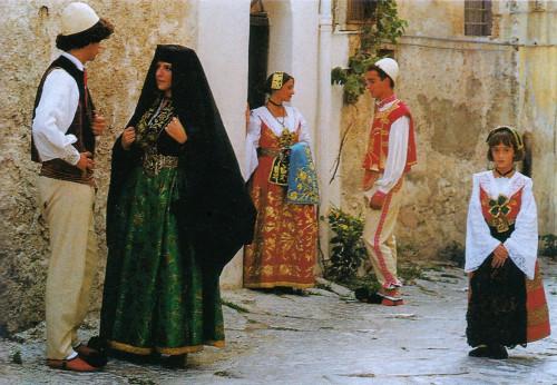 costumi-tipici-piana-degli-albanesi