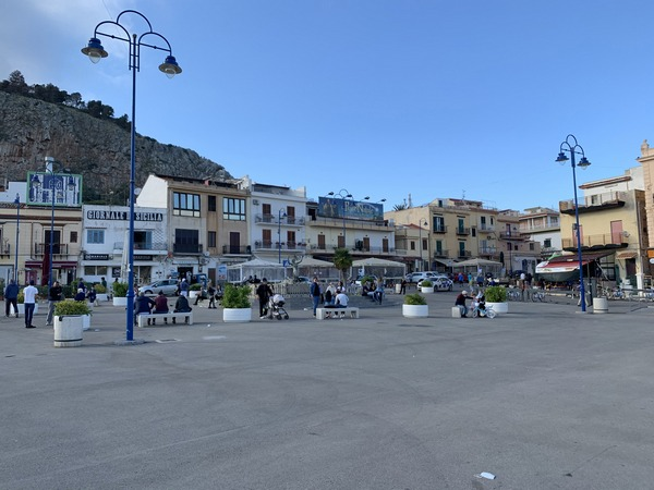 Piazza Mondello Palermo