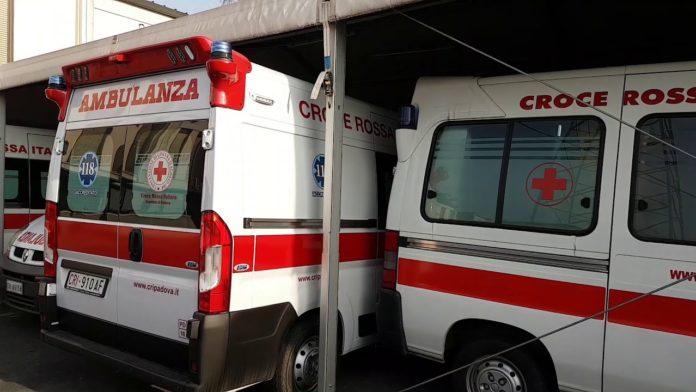 ambulanza croce rossa italiana