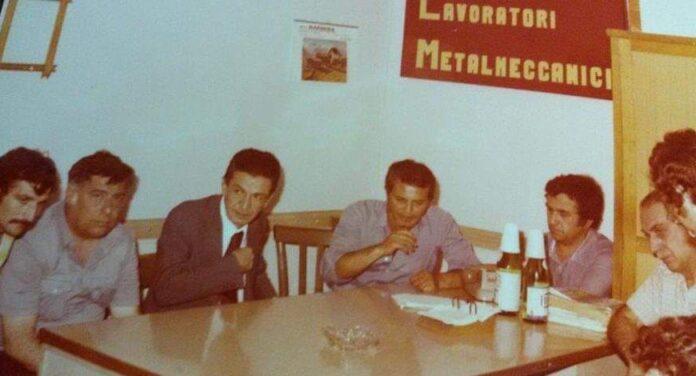 Benedetto De Caro accanto Enrico Berlinguer