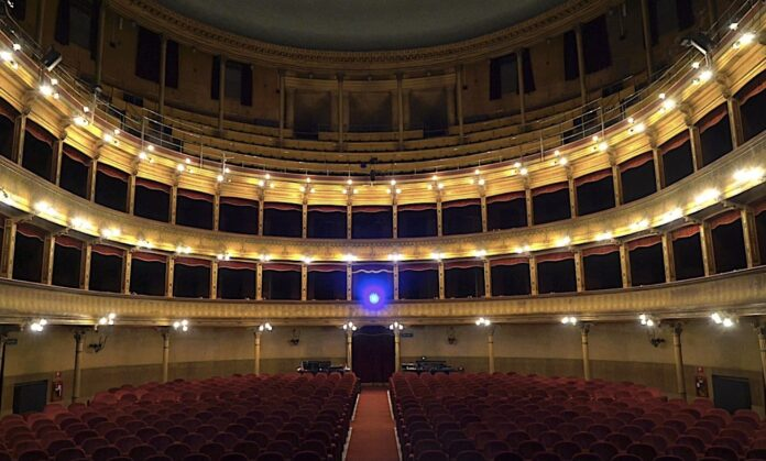 sala vuota_Teatro Biondo